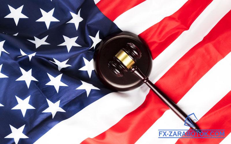 молот-судьи-и-флаг-америки
